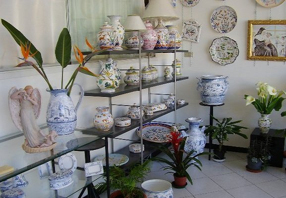 Welcome to my artistic pottery website. Liguria handcraft in the traditional Albisola and Savona style
